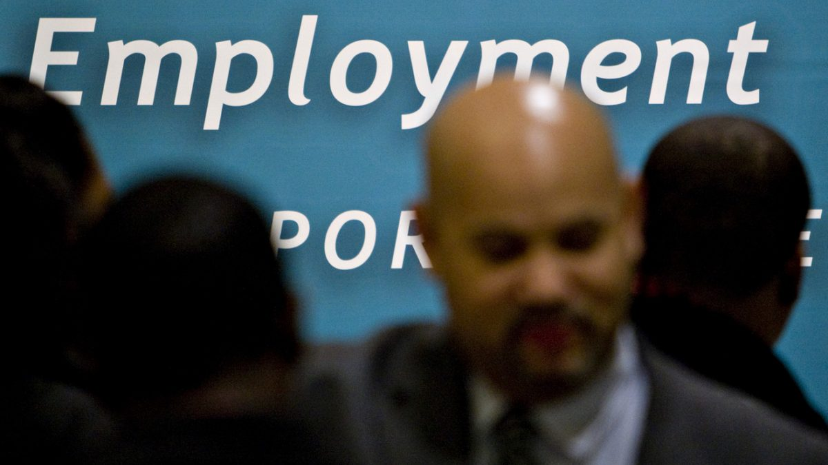 Economic Report: Jobless claims flat at 218,000 in early June, labor market still going strong