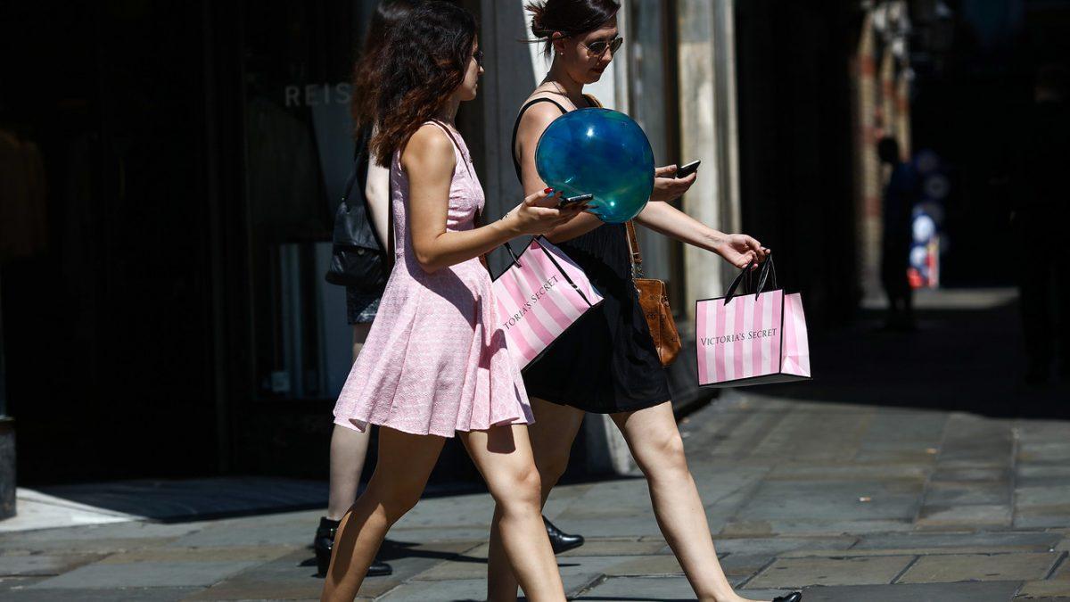 Economic Report: Americans still upbeat about the economy, consumer sentiment survey shows