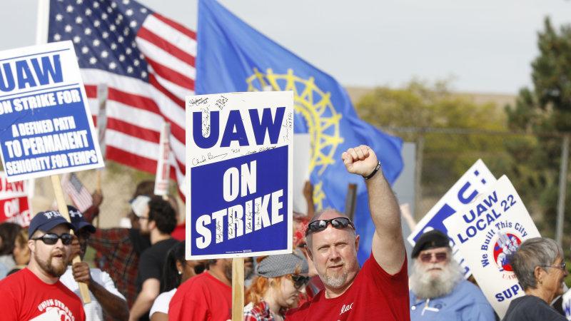 GM strike update: Committees finish work, top negotiators take over