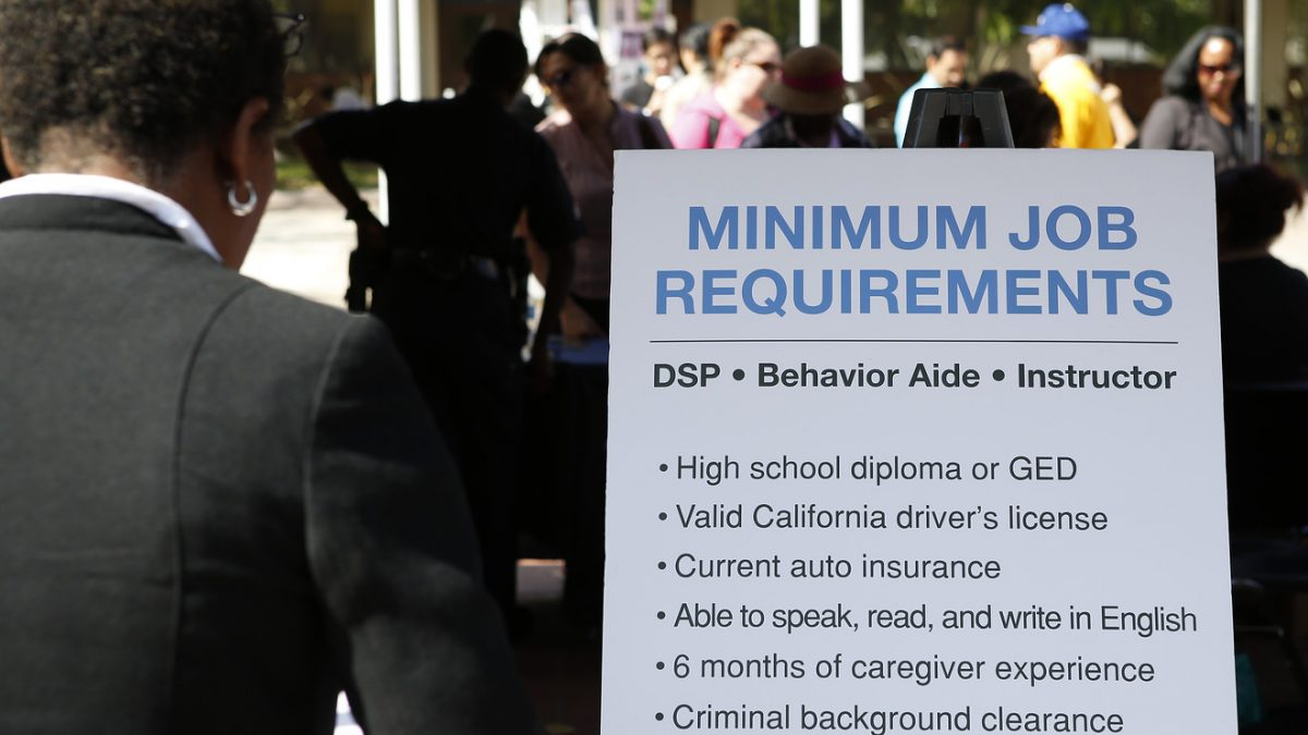 Economic Report: Jobless claims fall to nearly 5-month low of 204,000 around Labor Day holiday