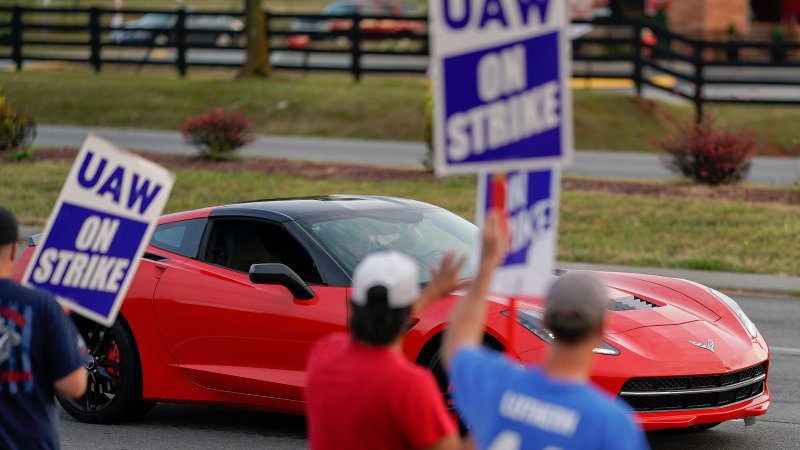 GM and UAW reach tentative deal to end strike
