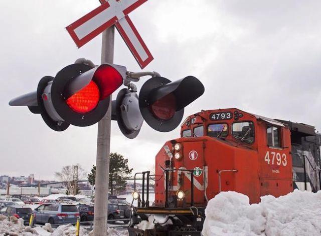 CN Rail confirms job cuts as freight volumes shrink – Business News – Castanet.net