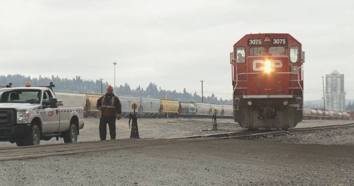 Mission, B.C. father killed on the job at CP train yard in Port Coquitlam – Global News