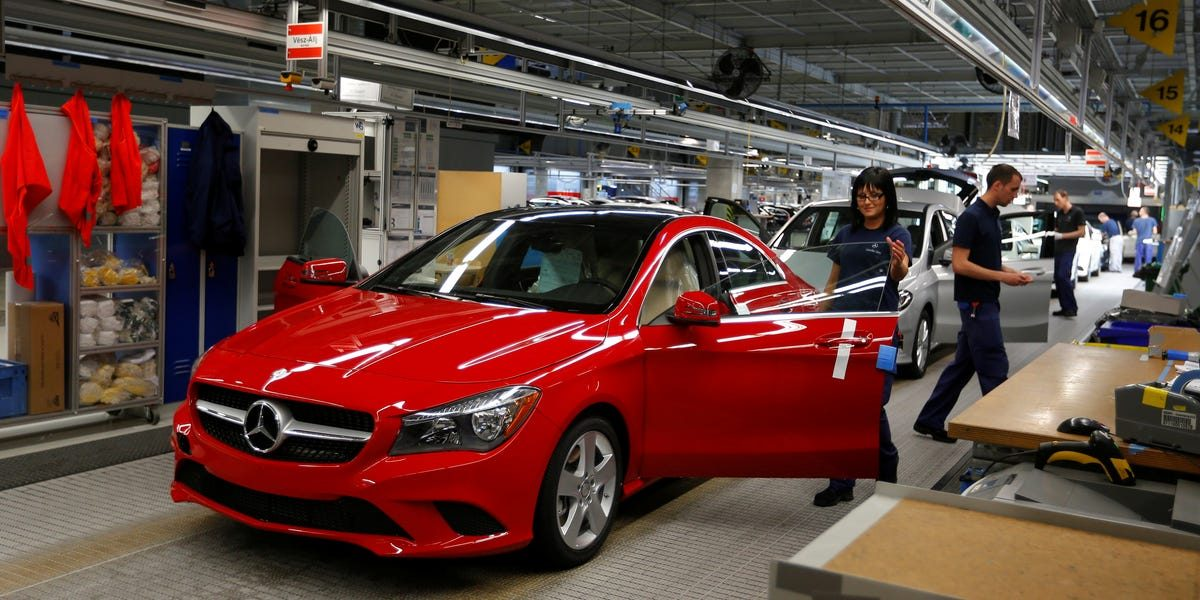 Mercedes-Benz parent company Daimler is preparing to layoff 15,000 workers as it tries to adapt to electric cars (DMLRY)