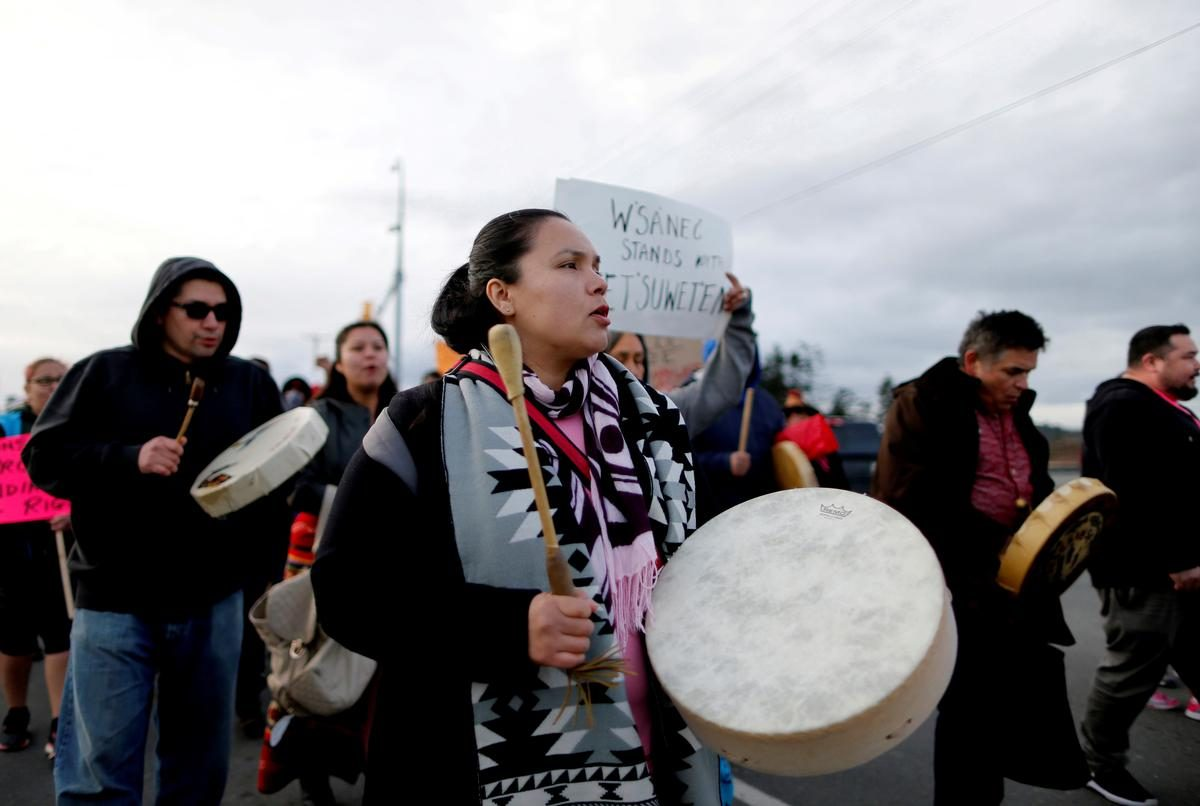 Canada and indigenous group reach tentative deal in dispute that led to road, rail blockades