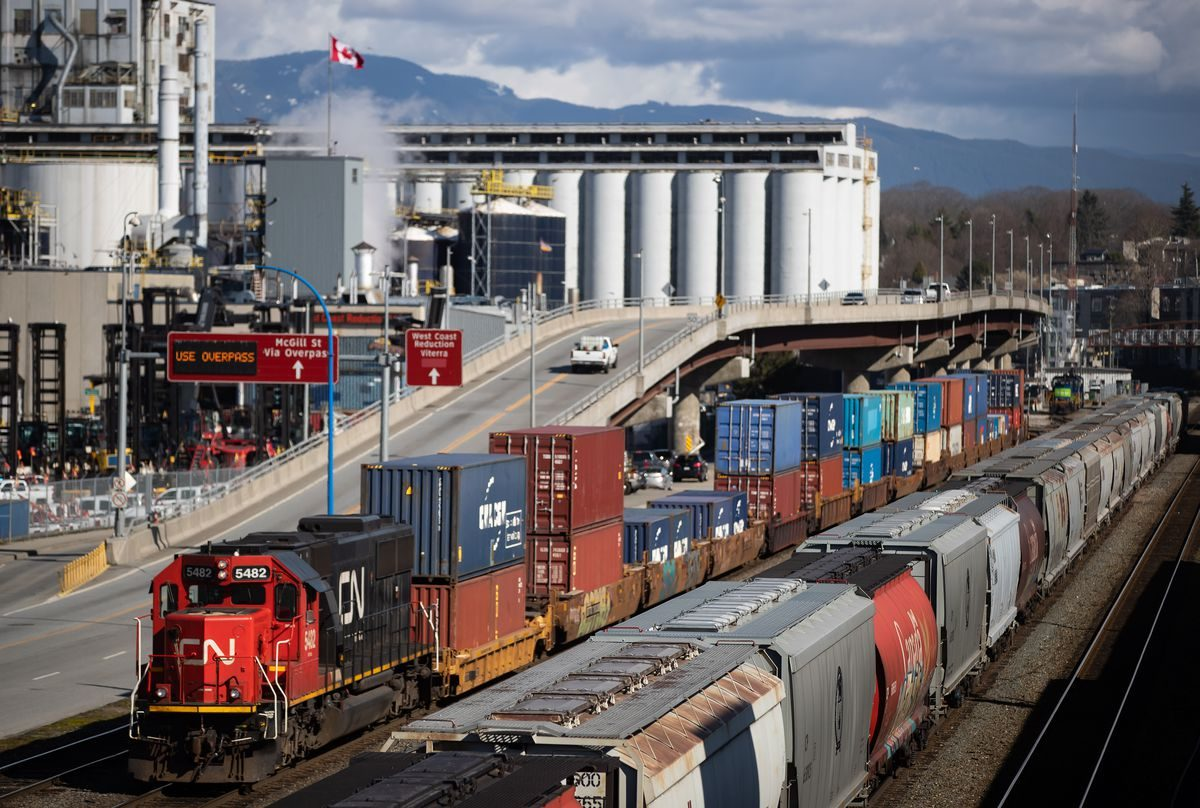 CN Rail suspends financial guidance, continues temporary layoffs amid pandemic – The Globe and Mail