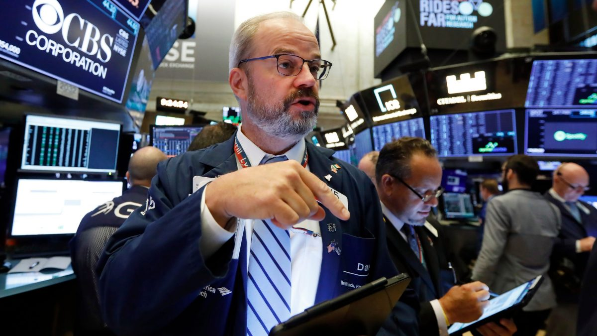 Stocks extend losses as another 1.5M Americans file for unemployment