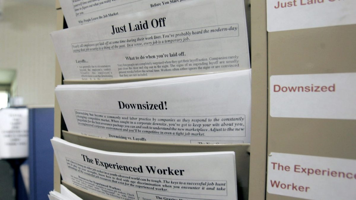 Layoffs: 1.5M workers file for unemployment amid COVID-19 even as states let businesses reopen