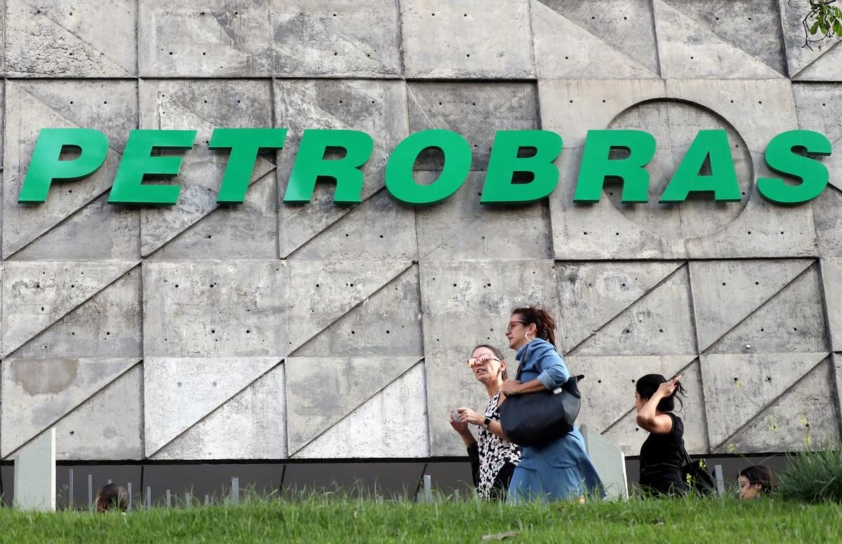 Brazil's Petrobras says Transpetro unit to reduce workforce by 557 employees: filing – Reuters