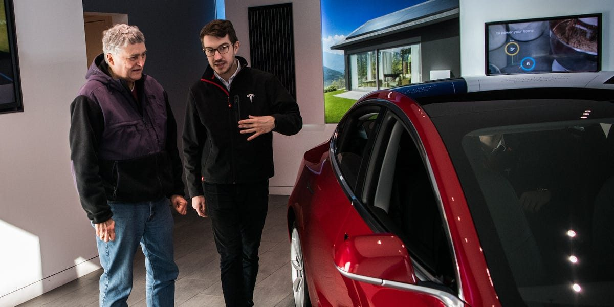 Tesla salespeople say years of layoffs and furloughs have made them doubt their job security (TSLA)