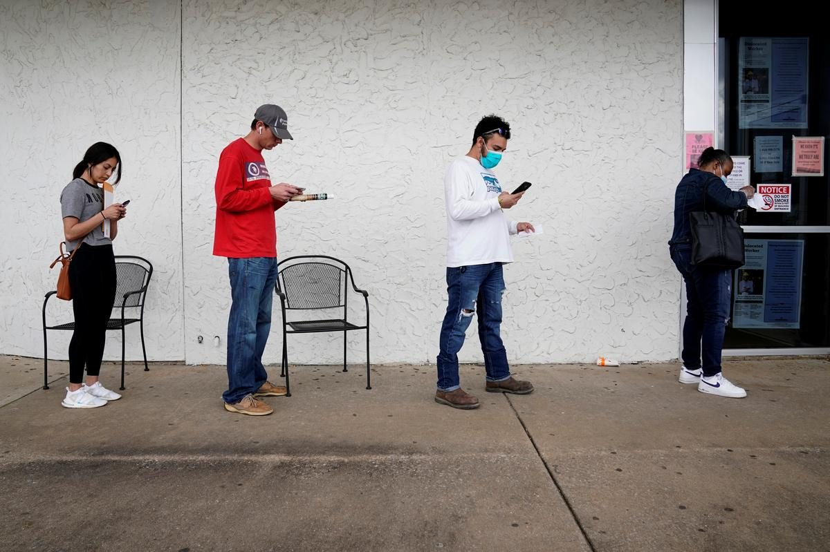 U.S. weekly jobless claims rise; labor market recovery stalling – Reuters