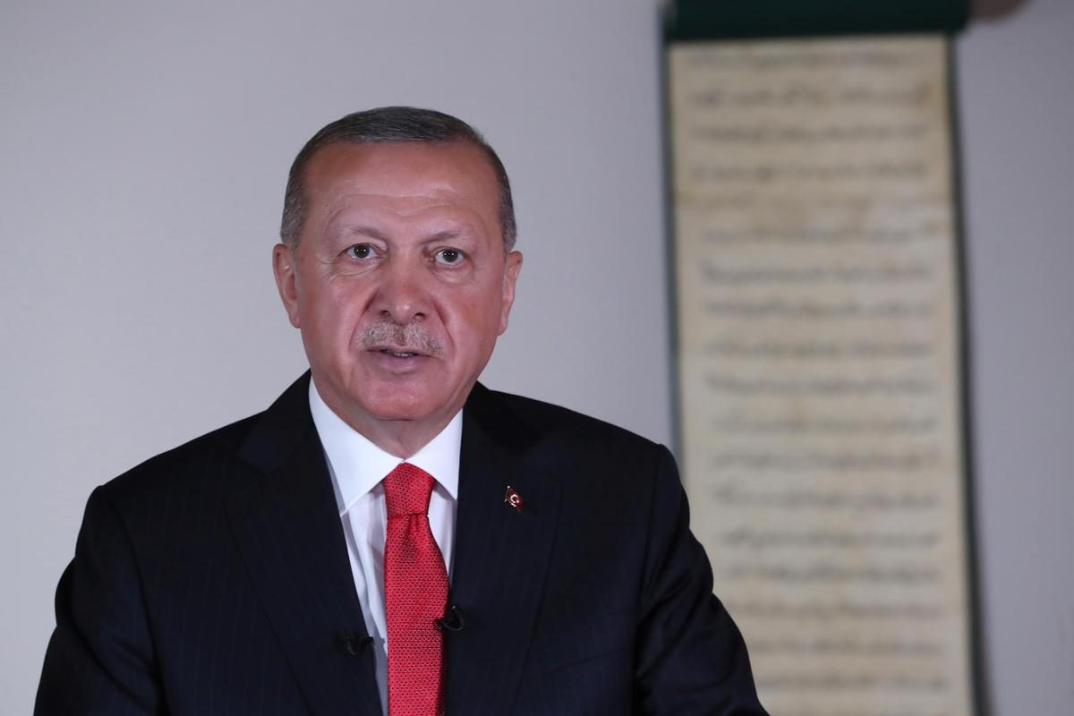 Turkish parliament gives Erdogan authority to extend layoff ban for a year – Reuters