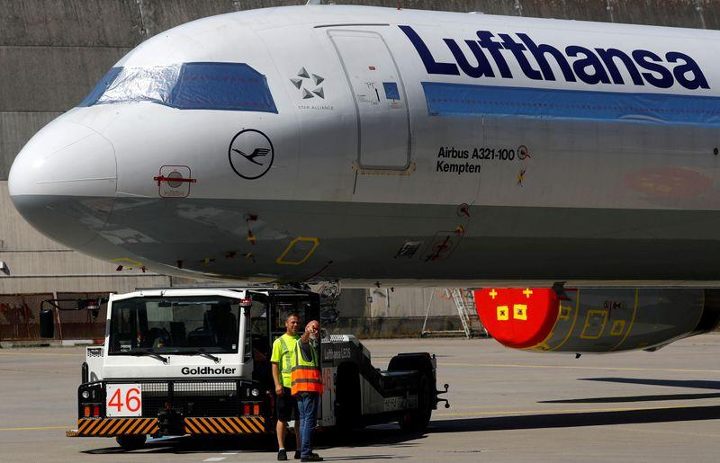 Lufthansa cabin crew union members back cost cut deal – Reuters