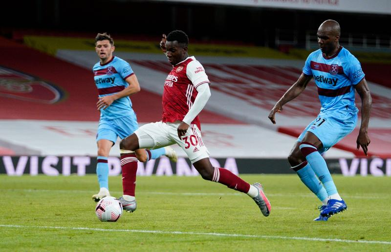 Soccer-Late Nketiah strike gives Arsenal 2-1 win over West Ham – Reuters India