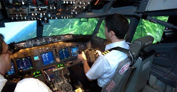 Boeing cuts flight training pilots, will outsource jobs overseas